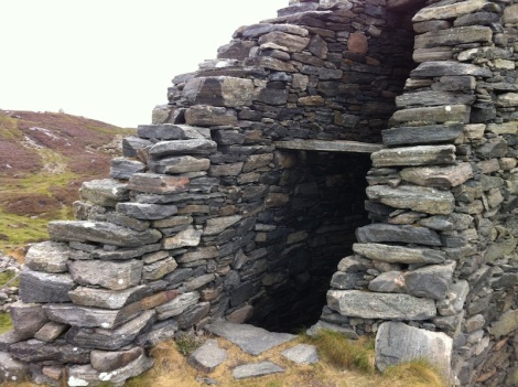 Between the walls of the Broch
